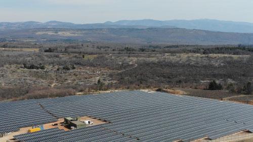9,8 MWc TALESUN Solar dans les Alpes-de-Haute-Provence